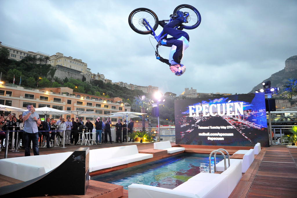 Danny_Macaskill_Celebrities_Red_Bull_Ene